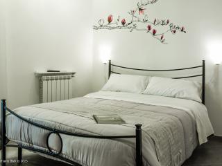 PalermiT'amo B&B - Double Room, en suite bathroom - Palermo vacation rentals