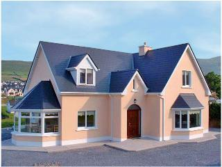 Nice 4 bedroom Dingle House with Balcony - Dingle vacation rentals
