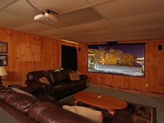 Cabin w/TheaterRoom/GameRoom/Sleeps10/HotTub+More - Sevierville vacation rentals