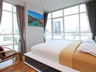 TickTock!BRAND NEW LUXE 4bed/3bath OCEAN VIEW- MTR - Hong Kong Region vacation rentals
