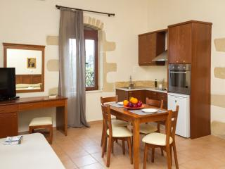 Beautiful 1 bedroom Villa in Kissamos with Internet Access - Kissamos vacation rentals