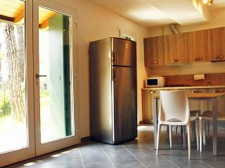 Bright 2 bedroom House in Lignano Pineta - Lignano Pineta vacation rentals