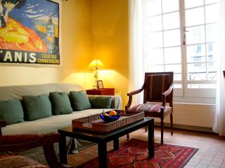 Charming Marais-2 guests-Pecquay-apt #1379 - 4th Arrondissement Hôtel-de-Ville vacation rentals