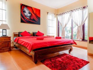 Cozy 2 bedroom villa, 5 min walk to Double 6 Beach - Legian vacation rentals