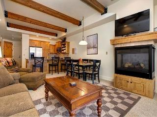 2BR Newpark Townhome w/ Hot Tub, Minutes from Skiing, Shopping, & Restaurant - Park City vacation rentals