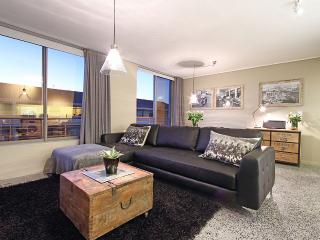 Romantic Apartment with Dishwasher and A/C - Sea Point vacation rentals