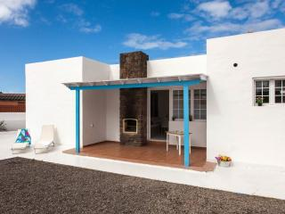 Central Villa, fully equipped only 100m from the beach - Corralejo vacation rentals