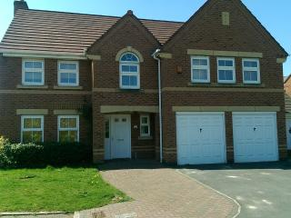 Beautiful 5 Bed Plus self Catering house - Great Sankey vacation rentals