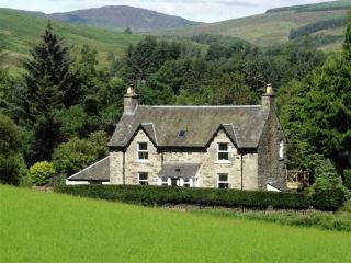 Shian Cottage Bed & Breakfast, Trochry nr Dunkeld - Dunkeld vacation rentals