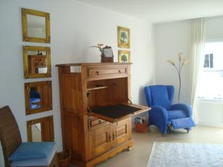 Apartment SAFRAN, cosy, bright, near sea & city - Arrecife vacation rentals