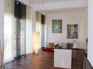 2 bedroom Condo with Internet Access in Lausanne - Lausanne vacation rentals