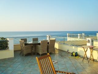 Stylish beachside house in Calabria with 3 bedrooms, WiFi and large rooftop terrace - Brancaleone vacation rentals