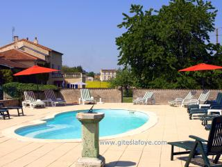 La Grange at Le Manoir de La Foye - Aulnay vacation rentals