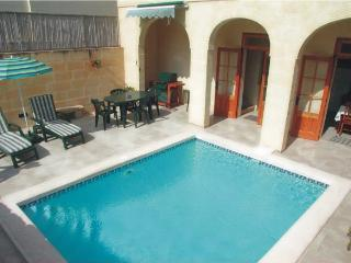 Dar Queen farmhouse with pool - Xaghra vacation rentals