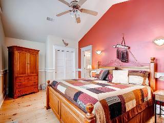 Quaint Victorian Three Bedroom Home near Carter Park - Breckenridge vacation rentals