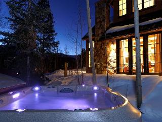 "Enjoy splendid mountain views in the two bedroom, ""Splendor of the Sun""! - Breckenridge vacation rentals"