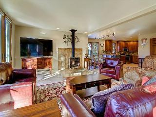4 Bedroom in town chalet in Historic Breckenridge - Breckenridge vacation rentals