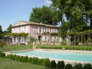 Luxurious Mas Provençal With Private Pool And Medi - Le Thor vacation rentals