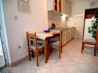TH00523 Apartments Tonka / One bedroom A5 - Pucisca vacation rentals