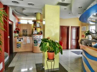 TH00529 Apartments and rooms Astoria / Standard Double Room S10 - Seget Vranjica vacation rentals