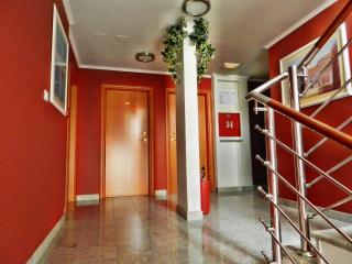 TH00529 Apartments and rooms Astoria / Standard Double Room S2 - Seget Vranjica vacation rentals