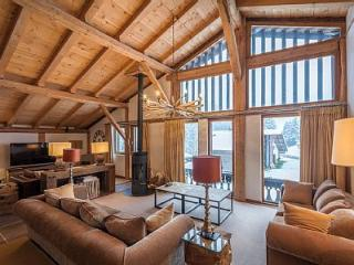 Perfect Chalet with Deck and Internet Access - Les Gets vacation rentals