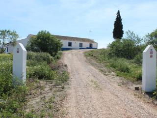 2 bedroom Cottage with Television in Sao Bartolomeu - Sao Bartolomeu vacation rentals
