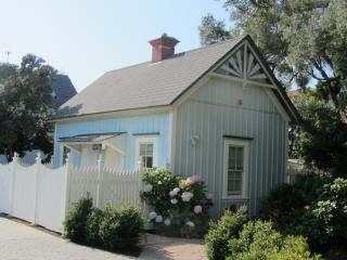 Seaside Victorian Cottage on Historic Property - Santa Cruz vacation rentals