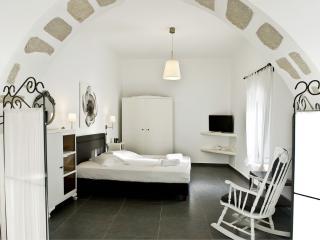 Nice 1 bedroom House in Milos - Milos vacation rentals