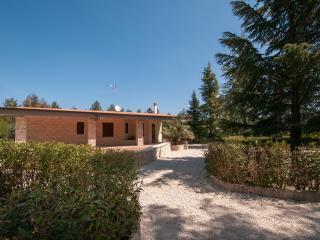 Chez Antoinette - Country villa - Castel del Monte vacation rentals