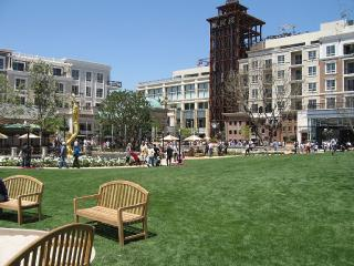 Walk to Top Shops, Dine & Entertainment - Glendale vacation rentals