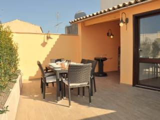 Wellness house Galilei, Jacuzzi, bagno turco, wifi - Avola vacation rentals