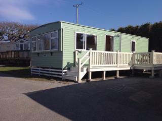 Enjoy Cornish Sunshine,recharge your batteries. - White Cross vacation rentals