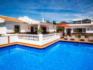Villa Las Minas. 3 bedrooms, pool, A/C, wifi, view - Nerja vacation rentals