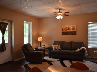 Prairie Creek Cottage-WiFi/Kayaks/Kitchen/Dogs OK - Mena vacation rentals