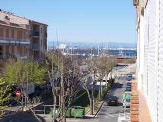 cuana apartment at 50 meters from the beach - Roses vacation rentals