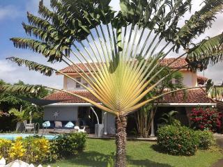 Magnifique Villa piscine vue mer à 300m des plages - Schoelcher vacation rentals