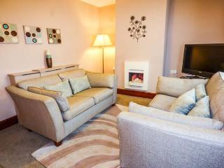 IONA COTTAGE, family cottage, pet-friendly, beach 5 mins walk, in Allonby, Ref 920285 - Allonby vacation rentals