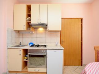Apartments Martin - 67981-A1 - Karlobag vacation rentals