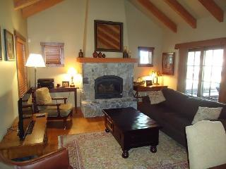 Rock Creek Cottage 6- Two Bedroom, Two 1/2 half bathrooms, Sleeps 6, WIFI, Cable TV - Stanley vacation rentals