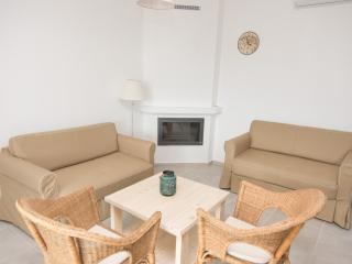 Cozy 2 bedroom House in Exopoli with A/C - Exopoli vacation rentals