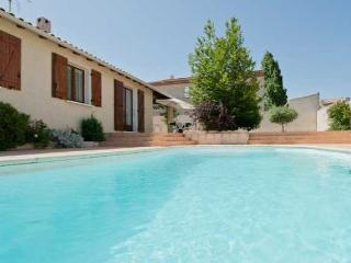 Serignan, French Villa with pool and sauna near beach sleeps 8 - Serignan vacation rentals