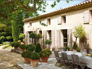 Mas d'Eyragues, France - Vaucluse vacation rentals