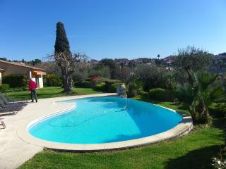 Beautiful Provencal Villa with Pool sleeps 6 - Biot vacation rentals