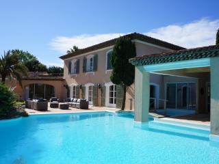 450 m² villa with pool - land 5000 m² Fine Volumes - Ramatuelle vacation rentals