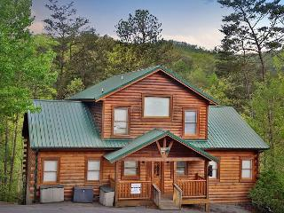 Handicap-Accessible, Sleeps 22, Huge Loft, Dogs Welcome, Wet Bar, Hot Tub - Pigeon Forge vacation rentals