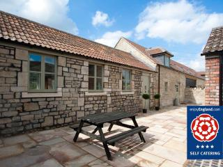 Stables Cottage - Just 2 miles to Bath - Bathampton vacation rentals