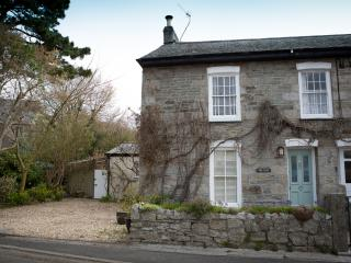 2 bedroom Cottage with Internet Access in Perranwell Station - Perranwell Station vacation rentals