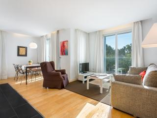 Homearound Rambla Suite & Pool 22 (1BR) - AUTUMN STAYs PROMO - Barcelona vacation rentals