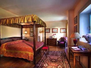 Casa Palmira B&B - Borgo San Lorenzo vacation rentals